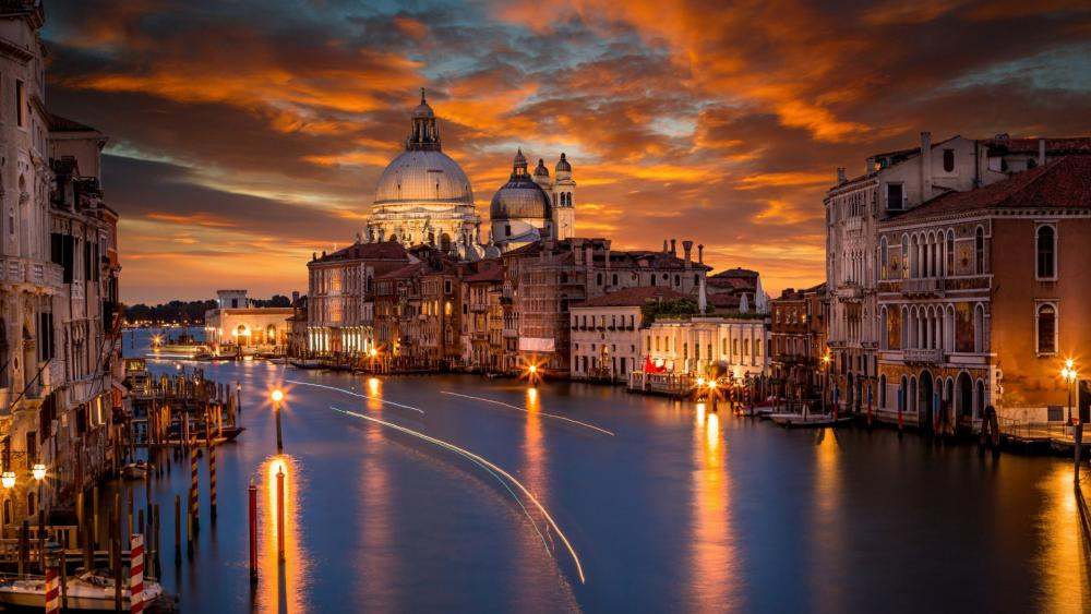 Grand Canal at night (Venice) wallpaper