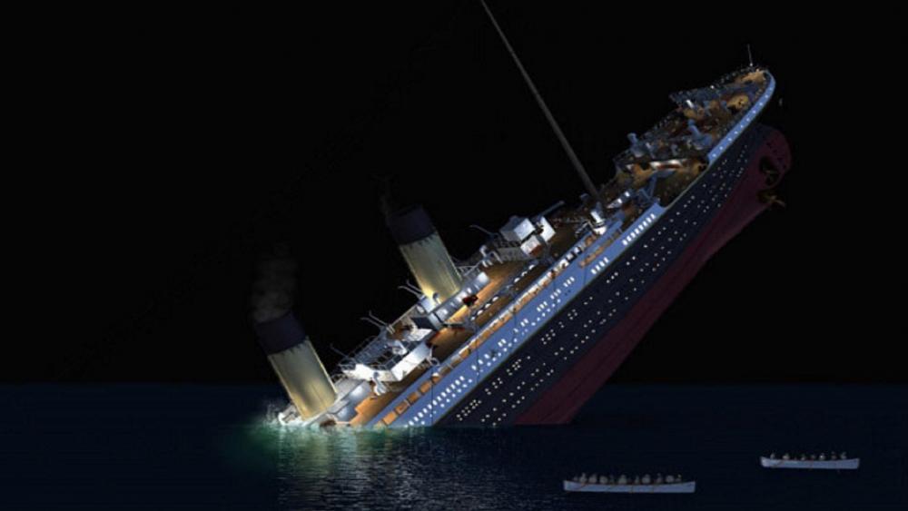 TITANIC before sink wallpaper
