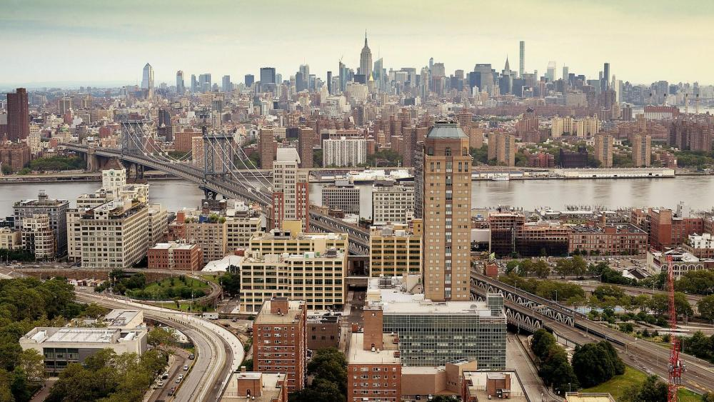 Manhattan Bridge and New York City skyline wallpaper