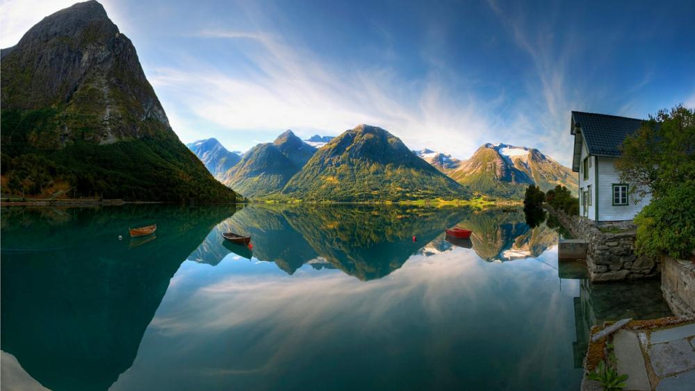 Oppstrynsvatn (Lake Strynevatn) from Hjelle wallpaper