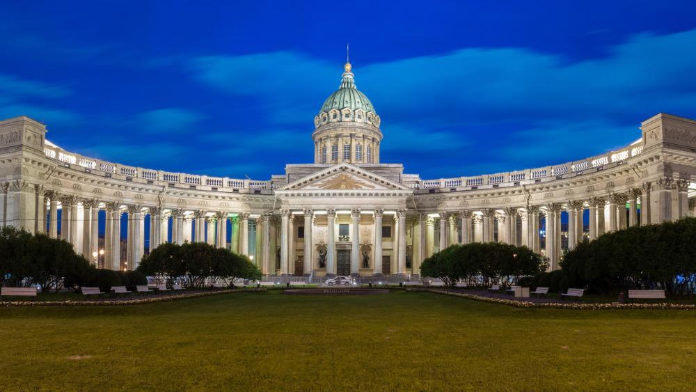 The Kazan Cathedral in Saint Petersburg wallpaper