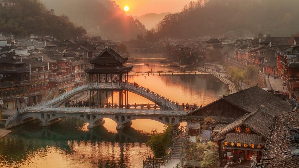 Phoenix Ancient Town (Fenghuang) wallpaper