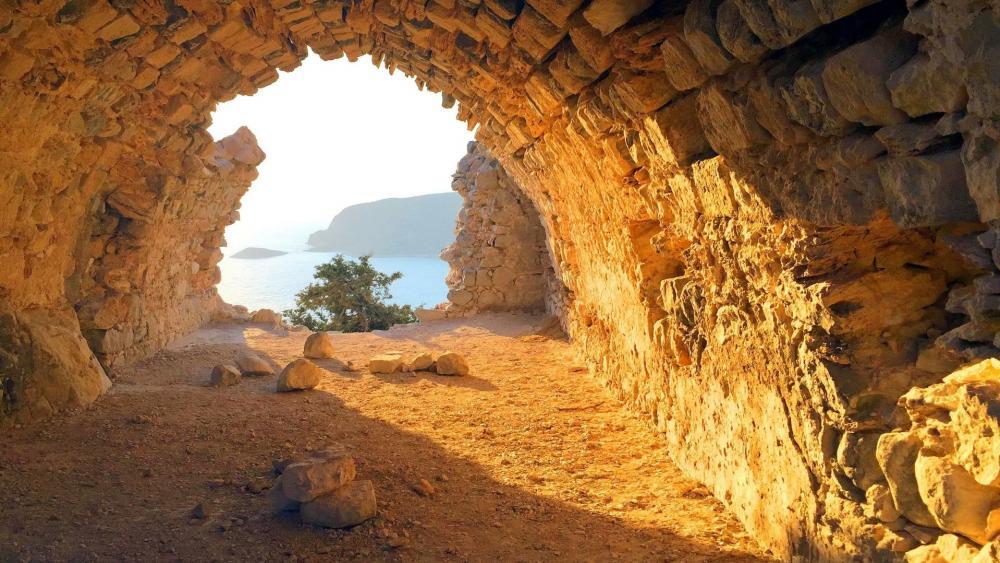 Castle of Monolithos (Greece) wallpaper