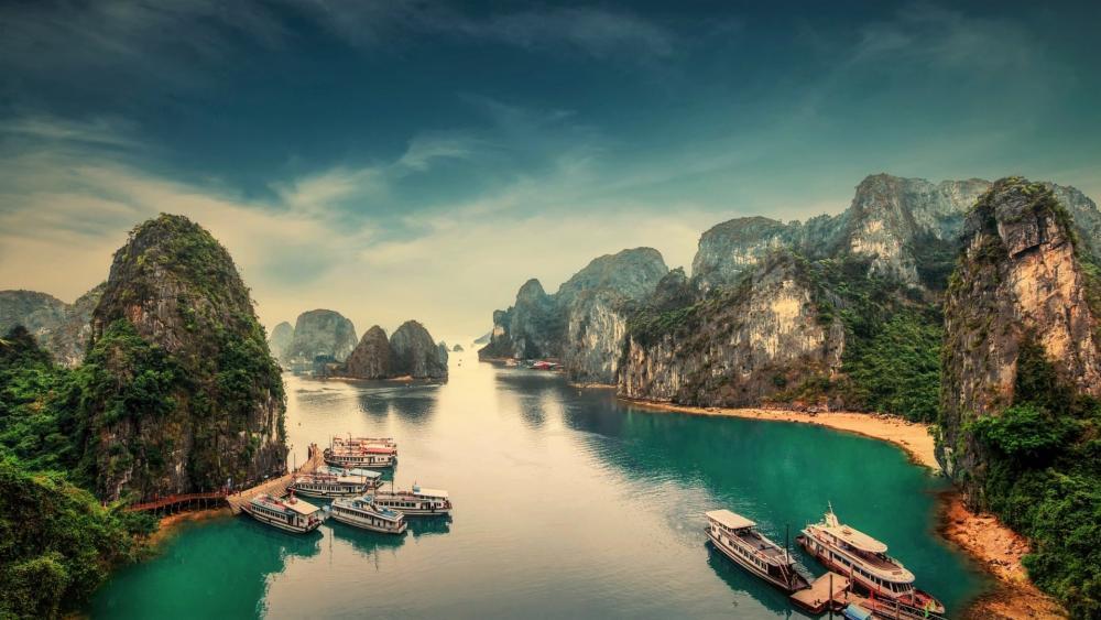 Hạ Long Bay (Vietnam) wallpaper
