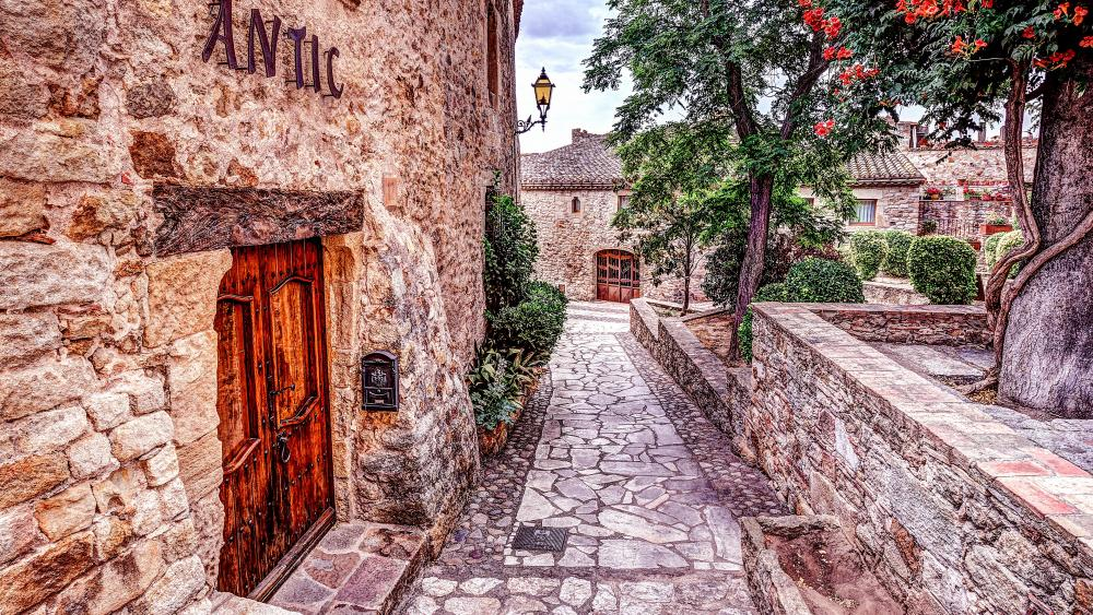 Medieval town of Pals, Catalonia wallpaper