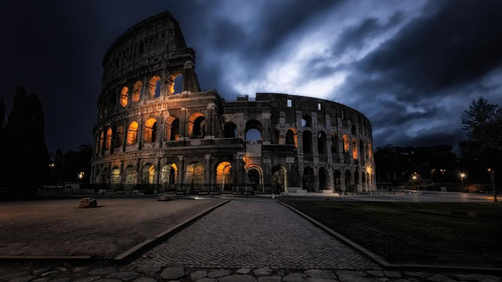 Colosseum at night (Rome) wallpaper
