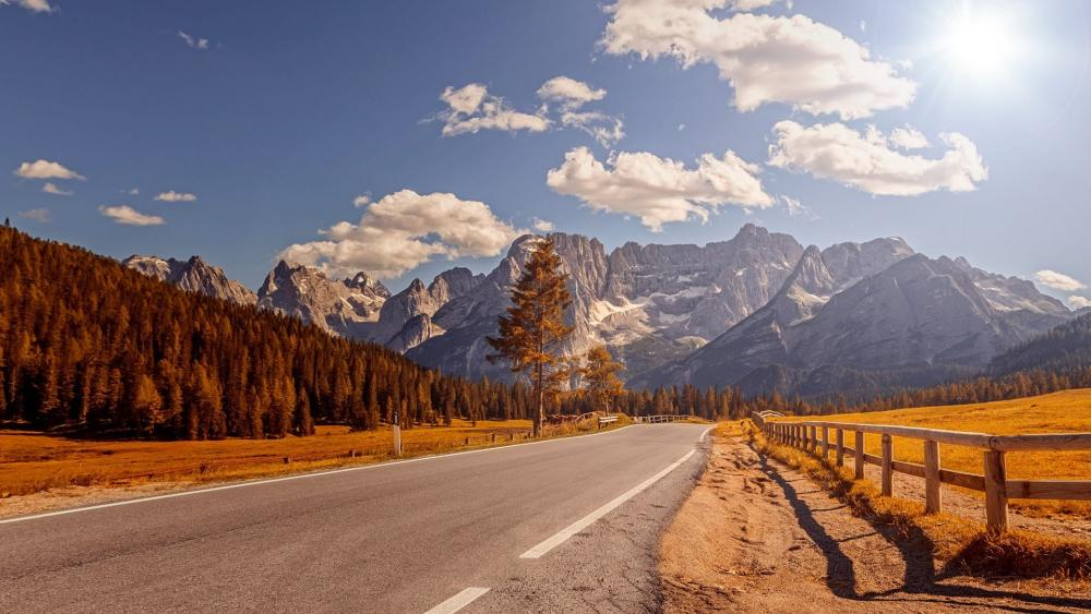 Road in the Dolomites wallpaper