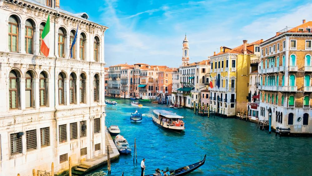 Grand Canal on a sunny day wallpaper
