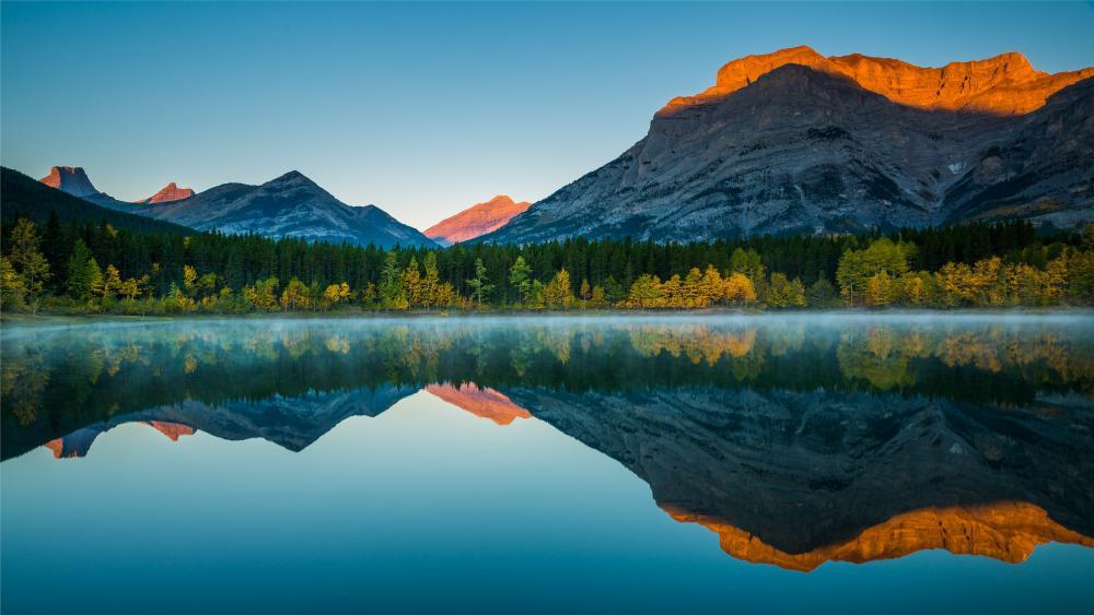 Amazing mountain reflection in lake wallpaper