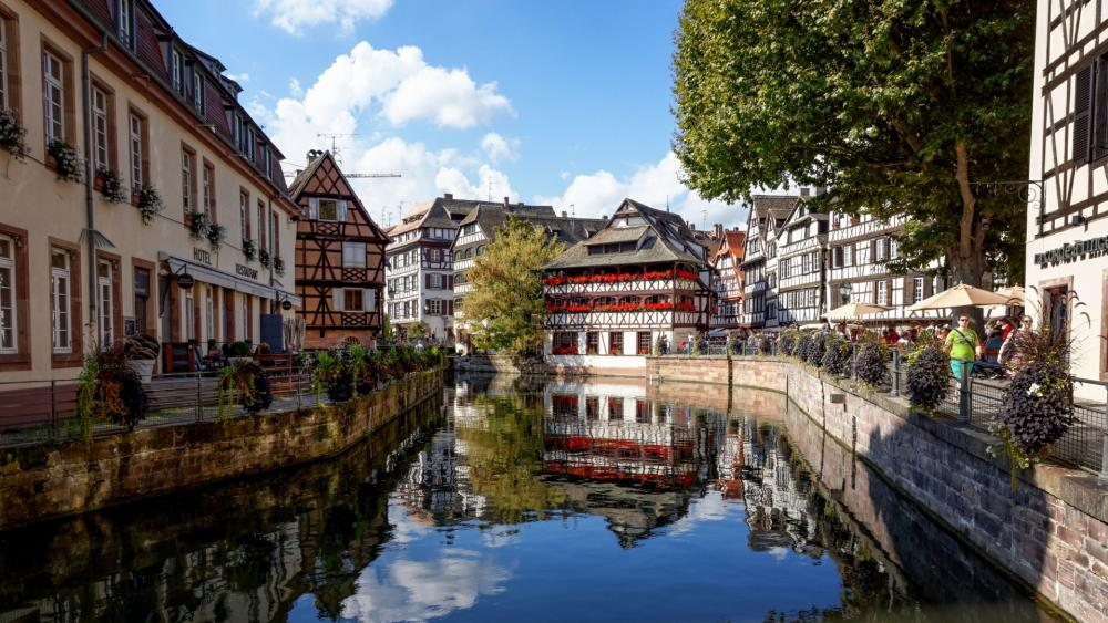 Timbered houses at ILL canal, Strasbourg wallpaper