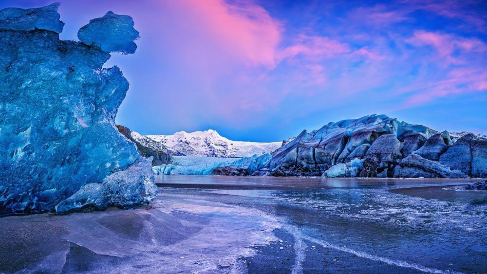 Vatnajökull Glacier, Vatnajökull National Park, Icelend wallpaper