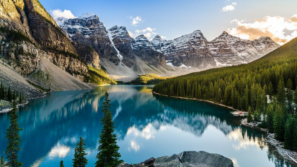 Moraine Lake - Valley of the Ten Peaks wallpaper