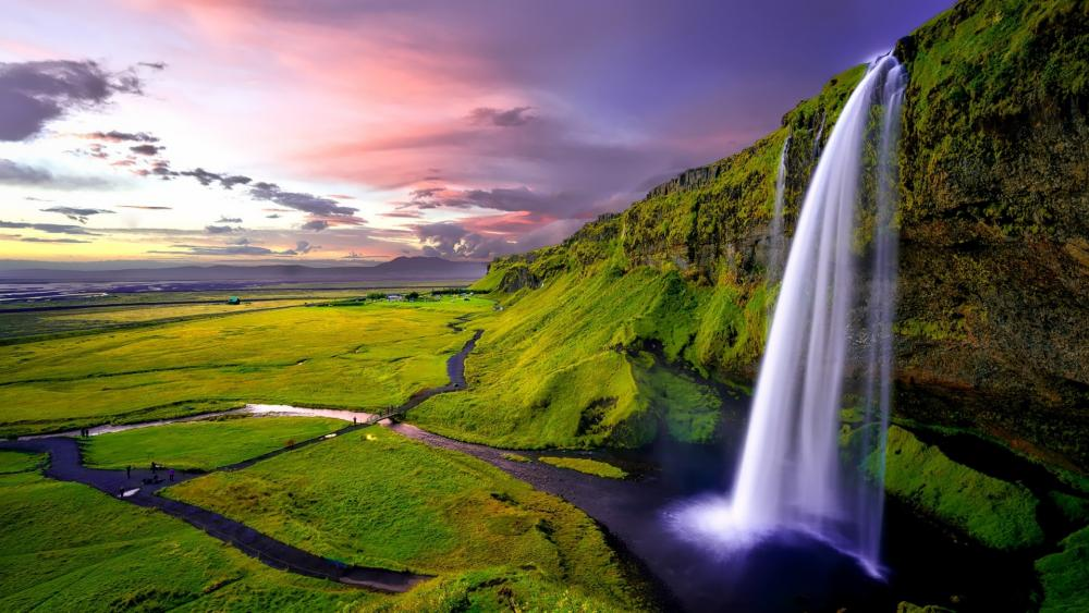 Seljalandsfoss (Iceland) wallpaper