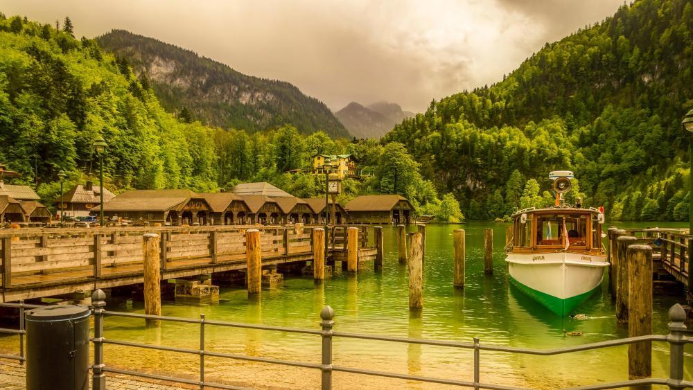 Dock of Königssee lake wallpaper