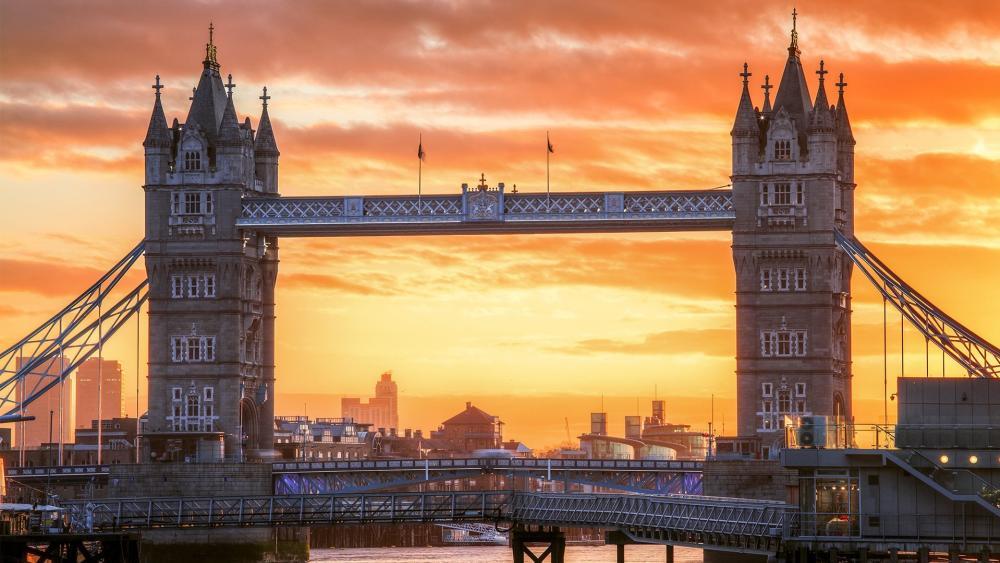 Tower Bridge at dawn wallpaper