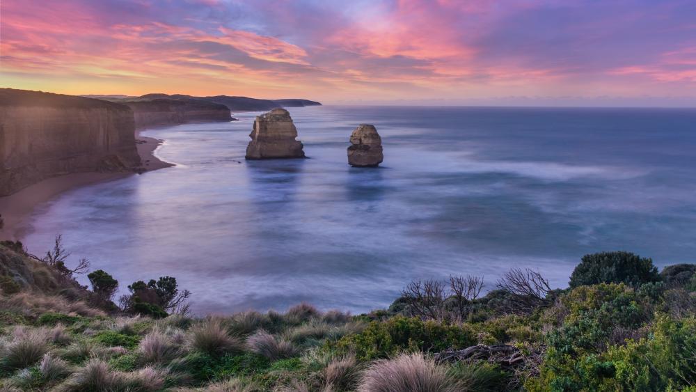 Coast of Lorne, Australia wallpaper