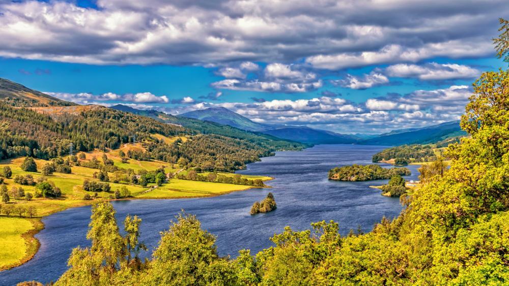 Lake in Scotland wallpaper