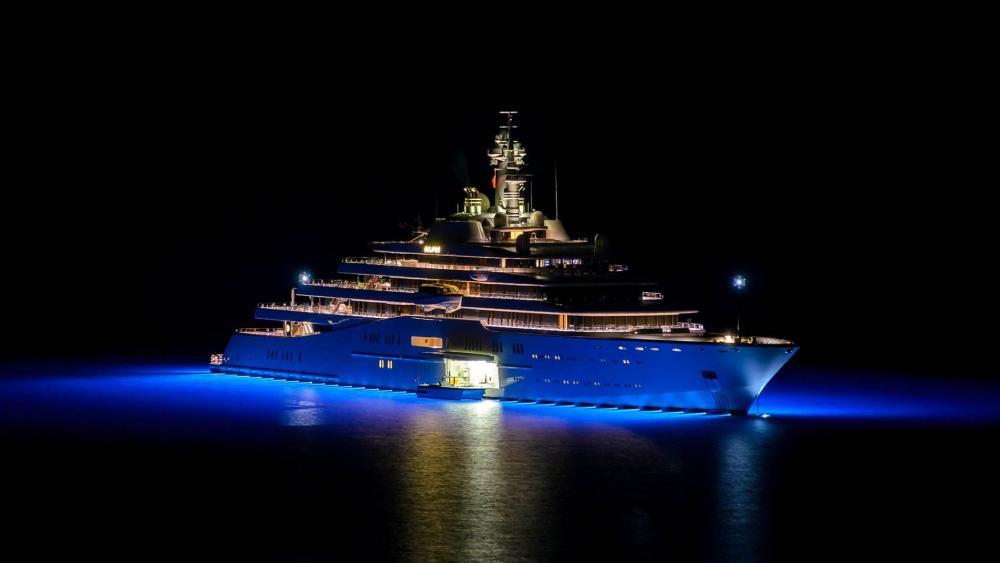 Eclipse luxury yacht wallpaper