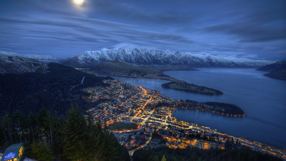 Queenstown and Lake Wakatipu aerial view wallpaper
