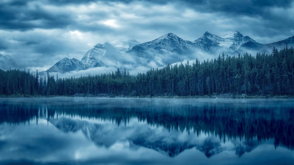 Cloudy mountains reflection wallpaper