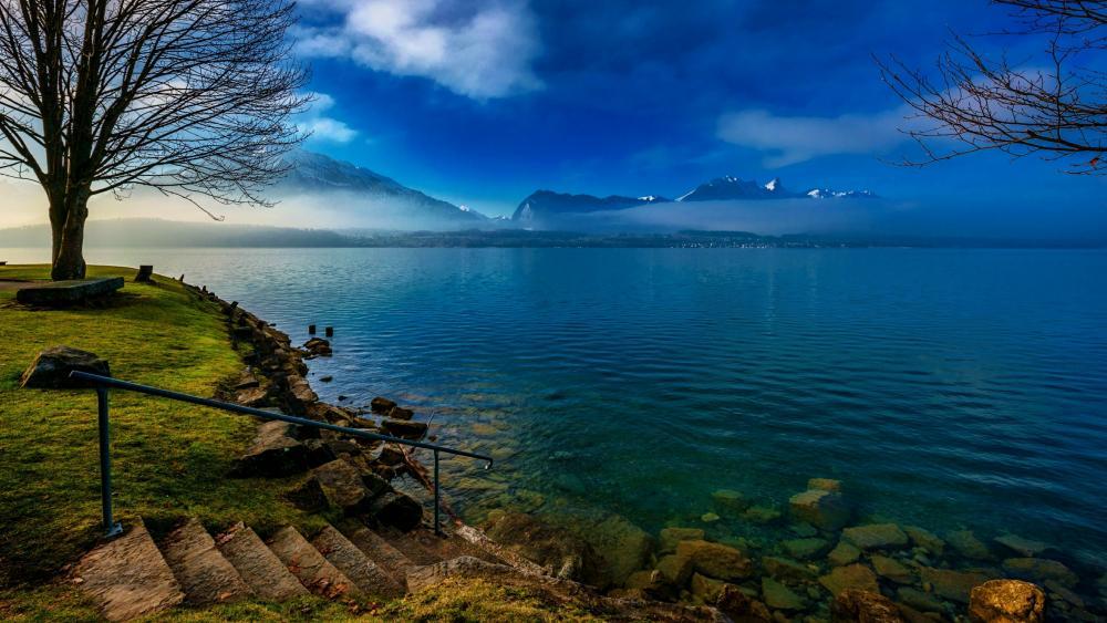 Lake Thun wallpaper