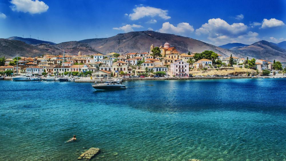 Galaxidi in the Corinthian Gulf (Greece) wallpaper