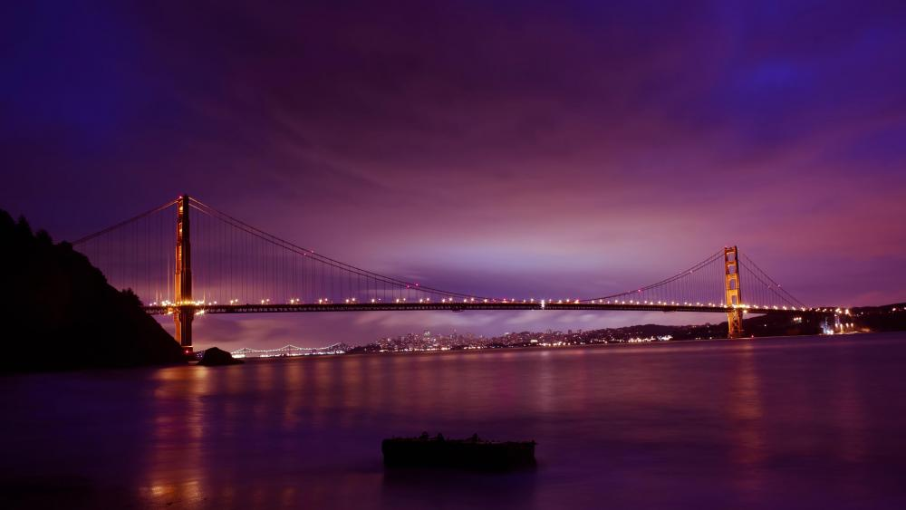 Golden Gate Bridge at purple dusk wallpaper