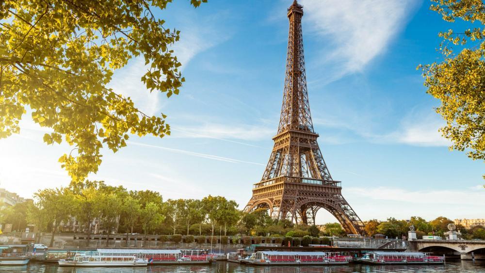 Eiffel Tower and Seine river - Paris wallpaper
