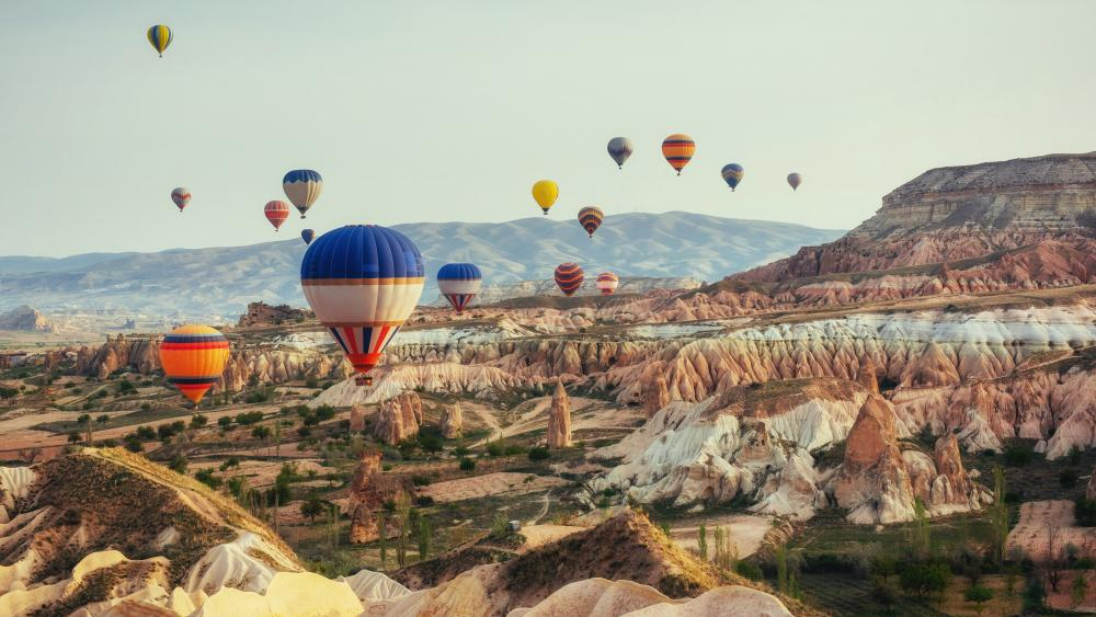 Hot air balloons over Cappadocia, Turkey wallpaper