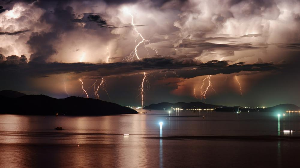Night thunderstorm wallpaper