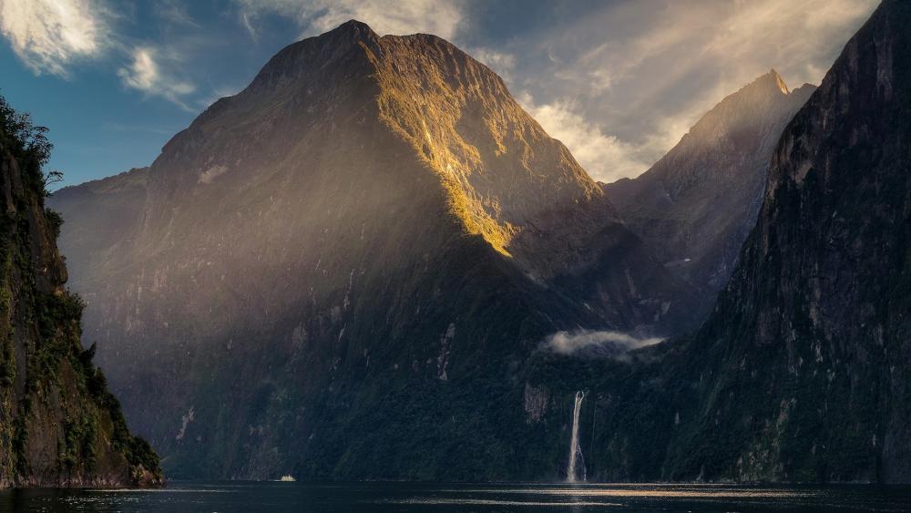 Milford Sound, New Zealand wallpaper