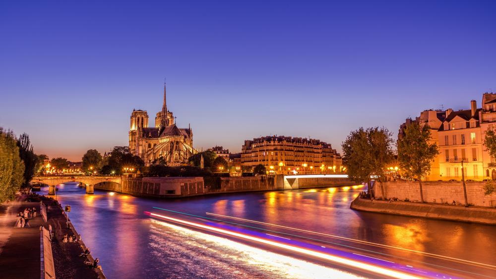 Seine and Notre Dame de Paris wallpaper