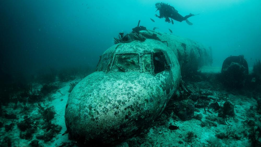 Underwater airplane wreck wallpaper