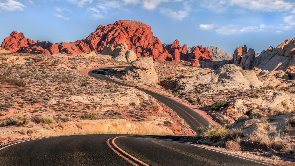 Bending road in the Valley of Fire State Park wallpaper