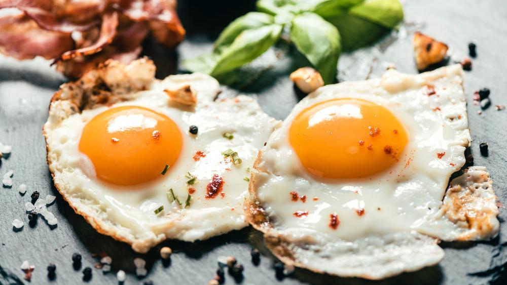 Fried eggs wallpaper