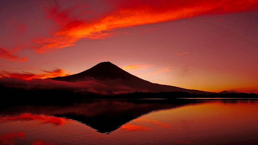 Mount Fuji reflected in Lake Tanuki wallpaper