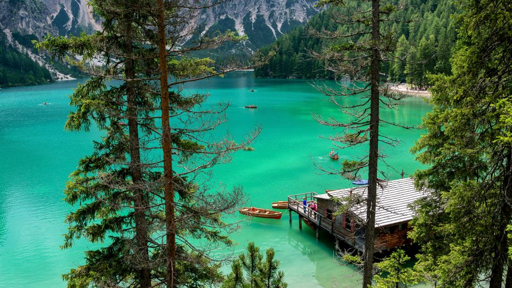 House on Pragser Wildsee wallpaper