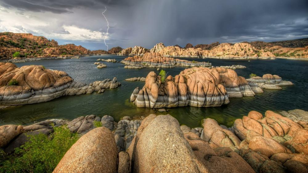Watson Lake in the stormy weather (Arizona) wallpaper