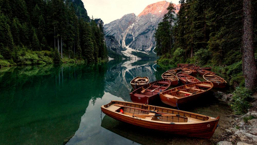 Pragser Wildsee wallpaper