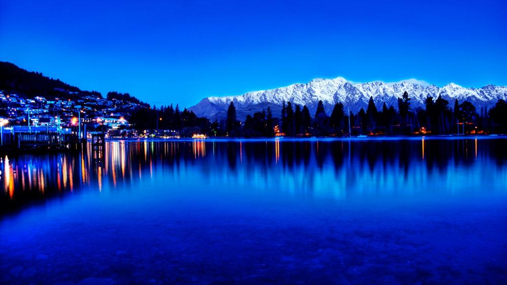Queenstown and Lake Wakatipu wallpaper