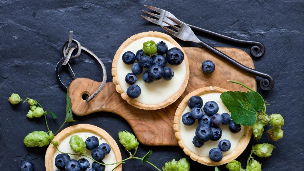 Blueberry cake with special forks wallpaper