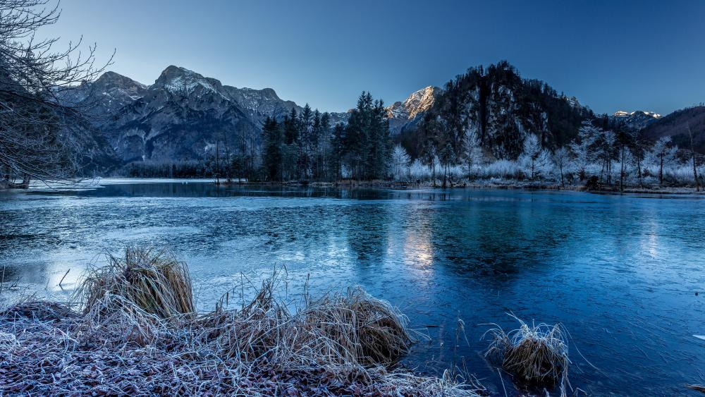 Mountains and river in winter wallpaper