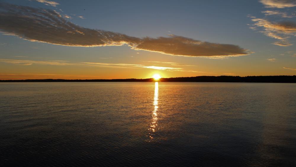 Canandaigua Lake at sunrise wallpaper