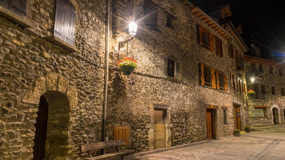 Benasque old town in Spain wallpaper