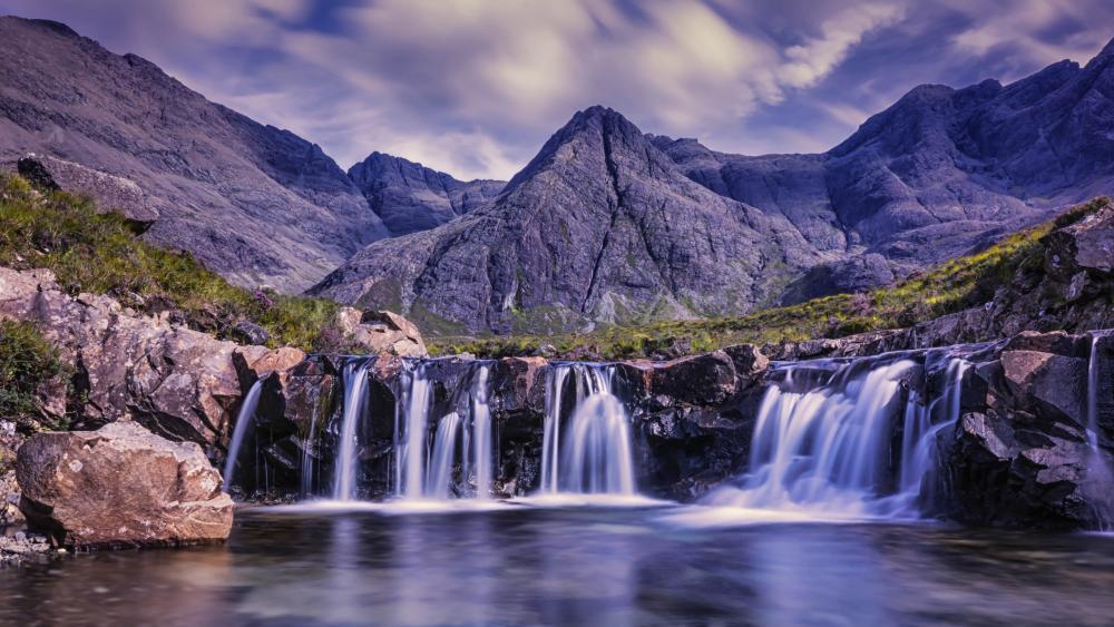 Fairy Pools Waterfall (Isle of Skye) wallpaper
