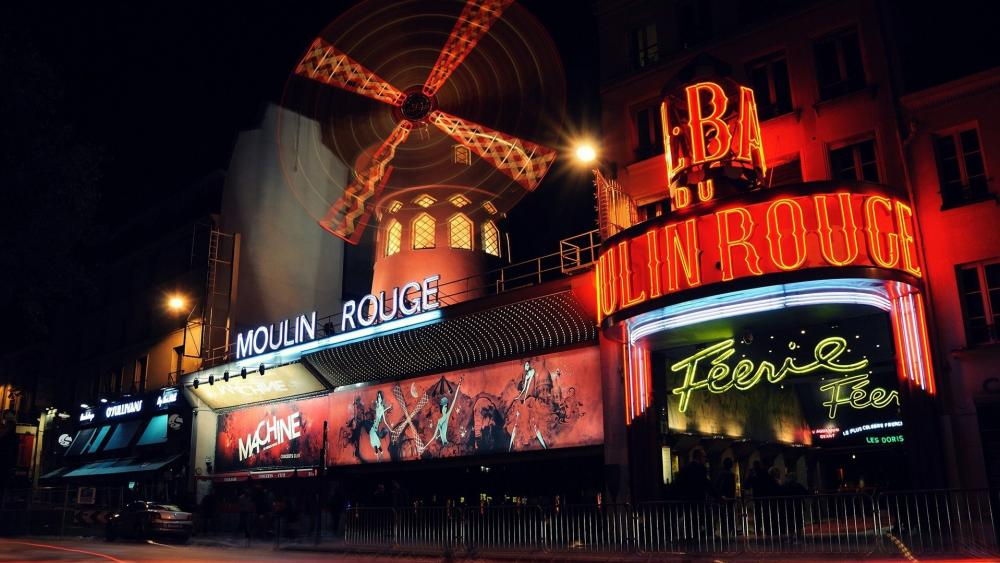 Moulin Rouge at night wallpaper