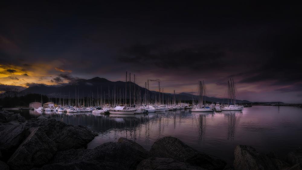 Harbor at dusk wallpaper