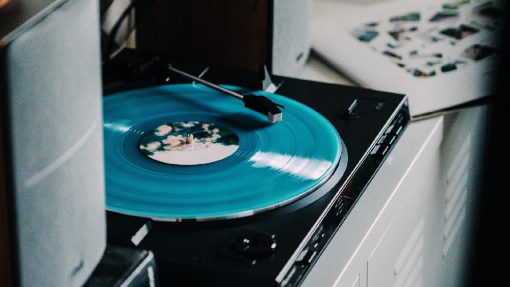 Blue vinyl record wallpaper