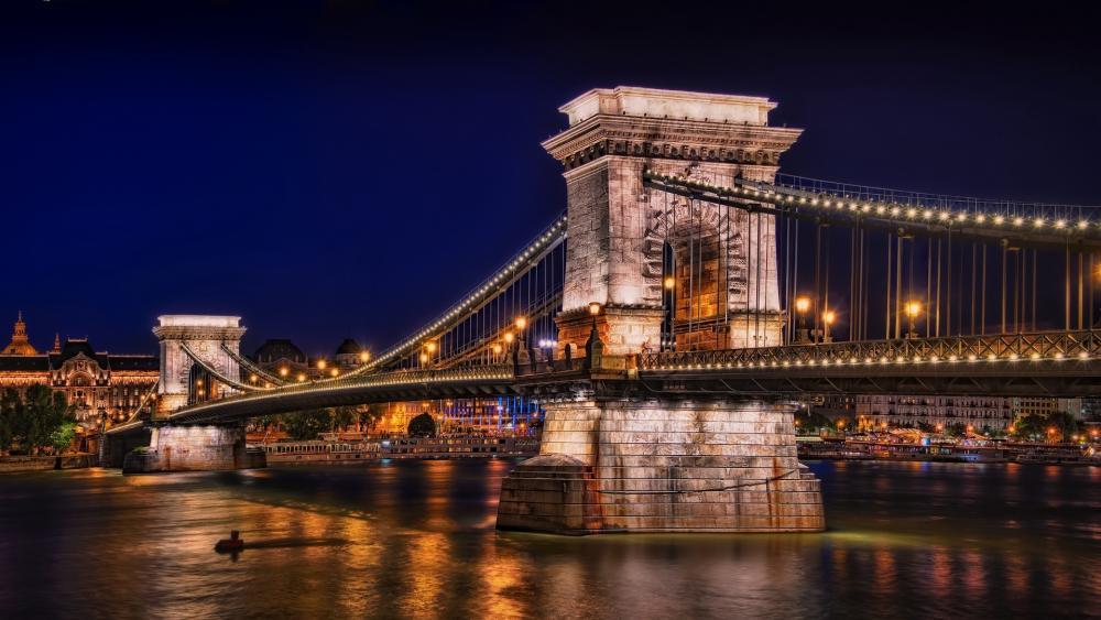 Széchenyi Chain Bridge at night (Hungary) wallpaper