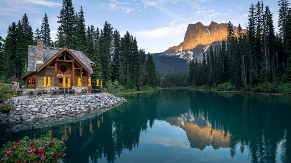 Emerald Lake (Yoho National Park) wallpaper